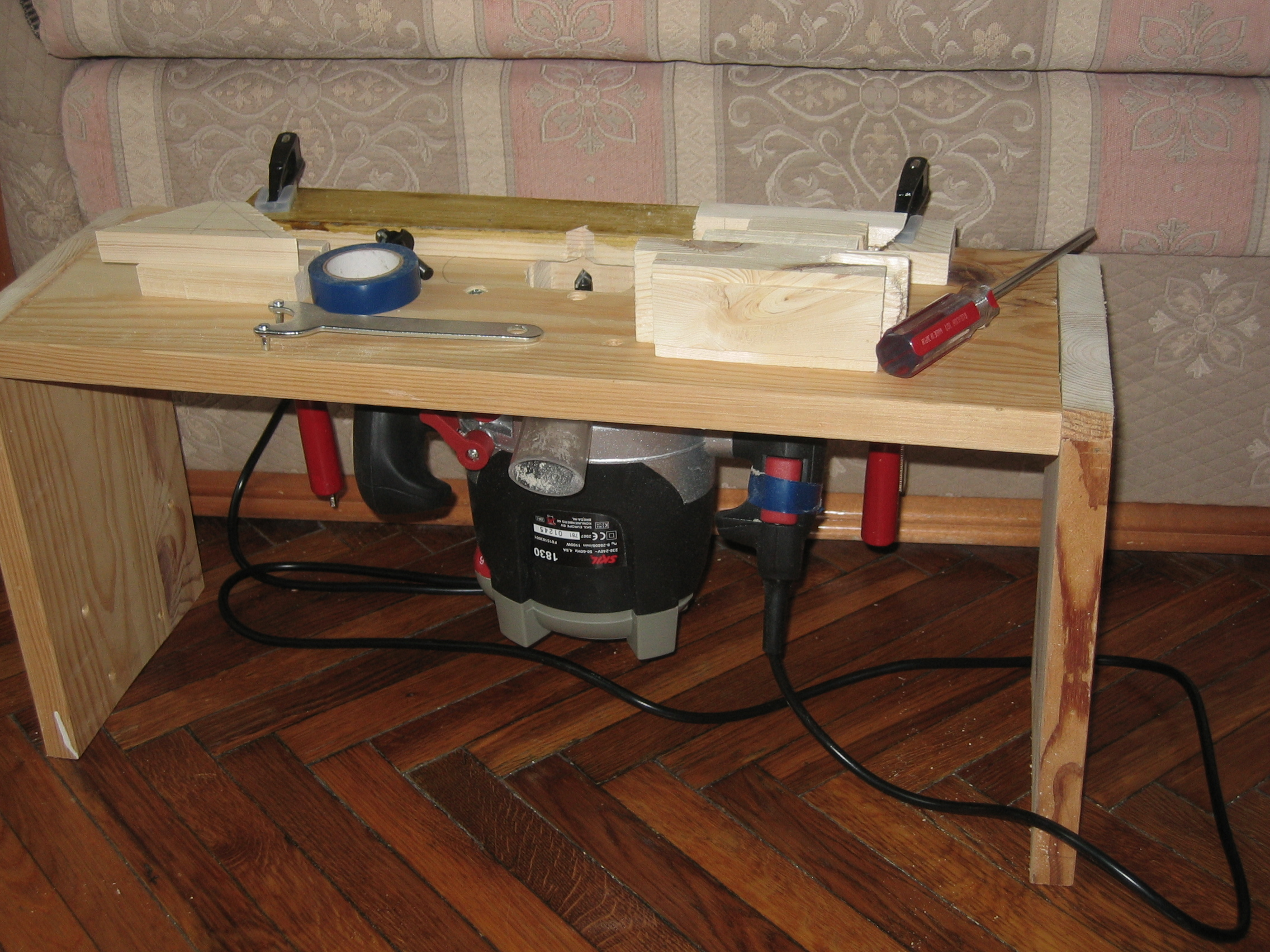 Как сделать стол для ручного фрезер 51